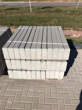 Поребрик серый бетонный Бел-Блок 1000х200х80